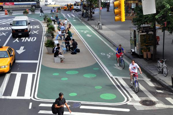 Bicycle lane on road